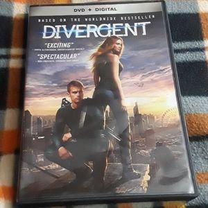 DVD + Digital Divergent